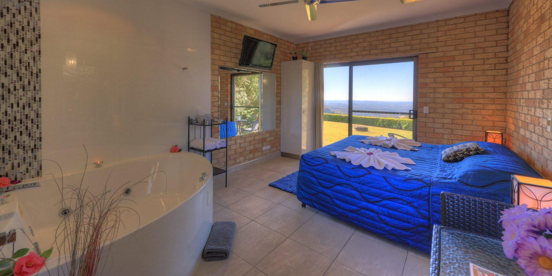 Maleny Views Motel King Spa room