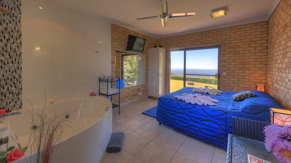 Maleny Views Motel King Spa Room